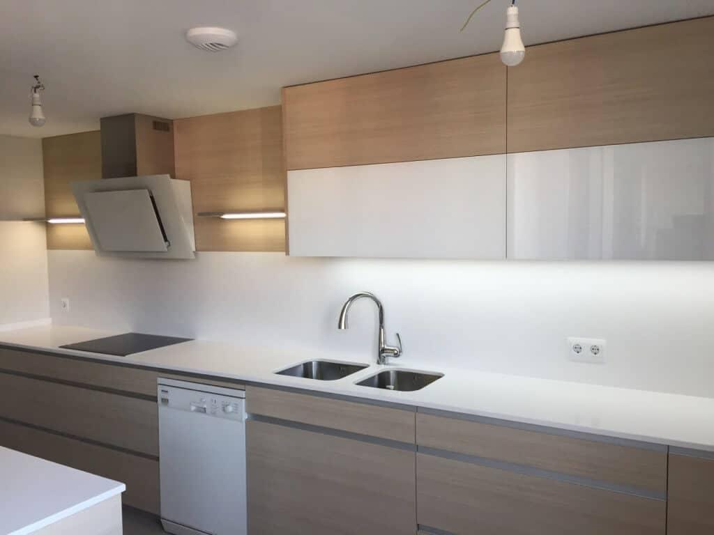 Tienda de cocinas a medida fabricantes desde 1968 - Tiendas de muebles de cocina en madrid ...