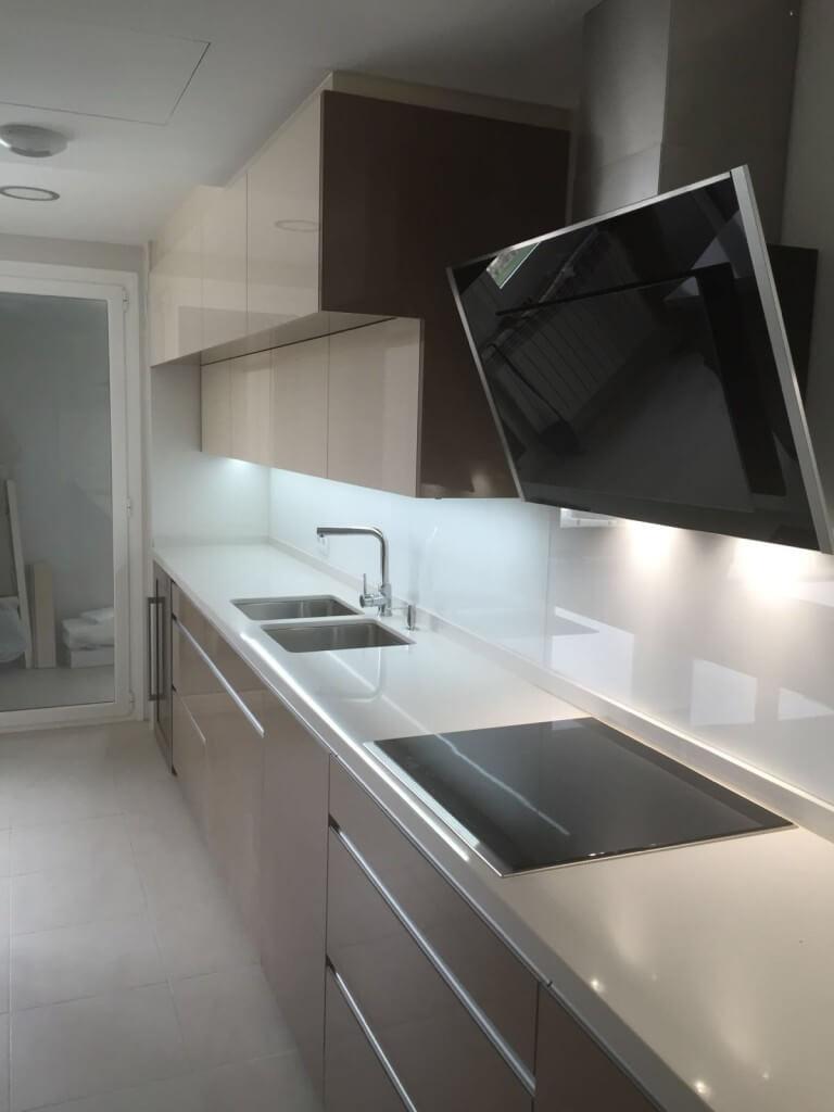 Campana moderna y muebles de cocina Sergio, cliente Coeco - cocinas a medida