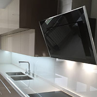 Campana moderna y muebles de cocina cliente Coeco