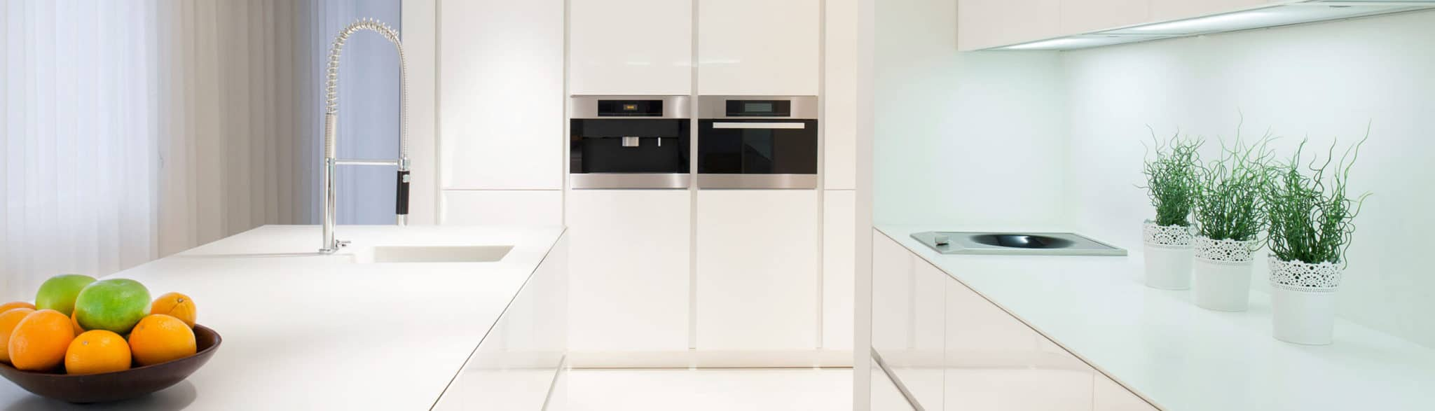 Cocina blanca espaciosa - muebles de cocina en madrid