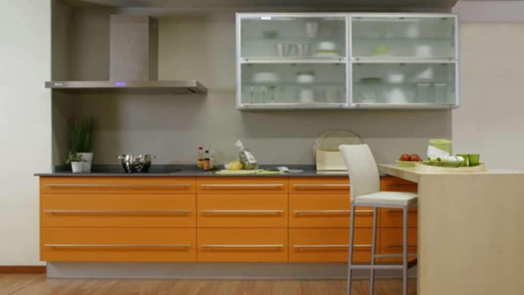 Cocina amplia con campana Serie Hamburg - puertas de muebles de cocina