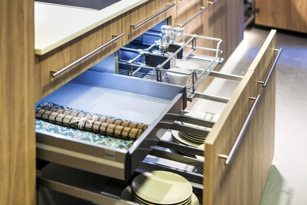 Iluminación en los cajones de los muebles de cocina - iluminacion cocina