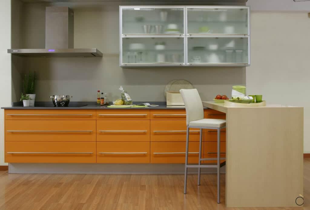 Cocina amplia con campana Serie Hamburg - Cocinas con península