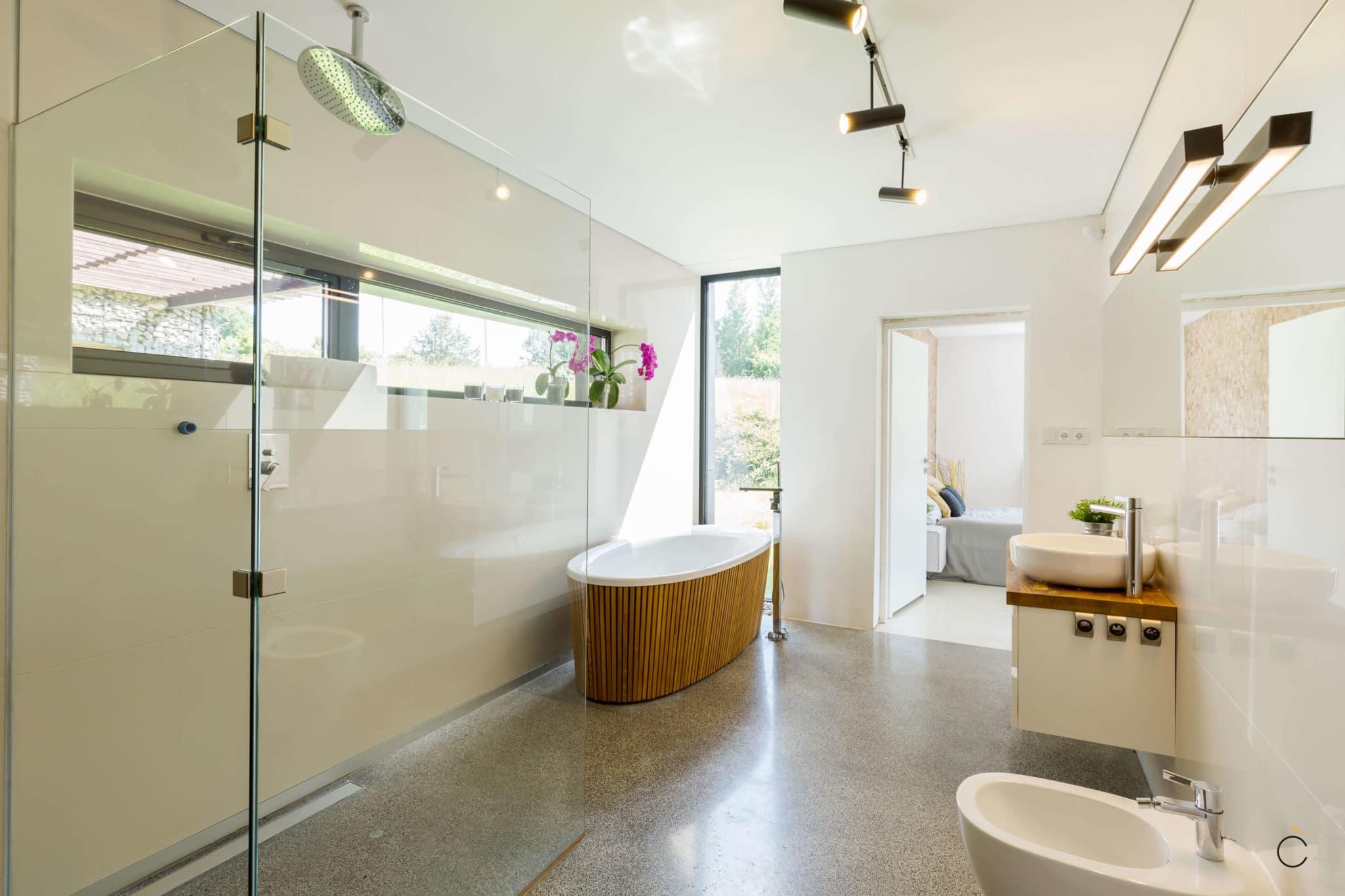 Baño moderno blanco con bañera - Baños modernos