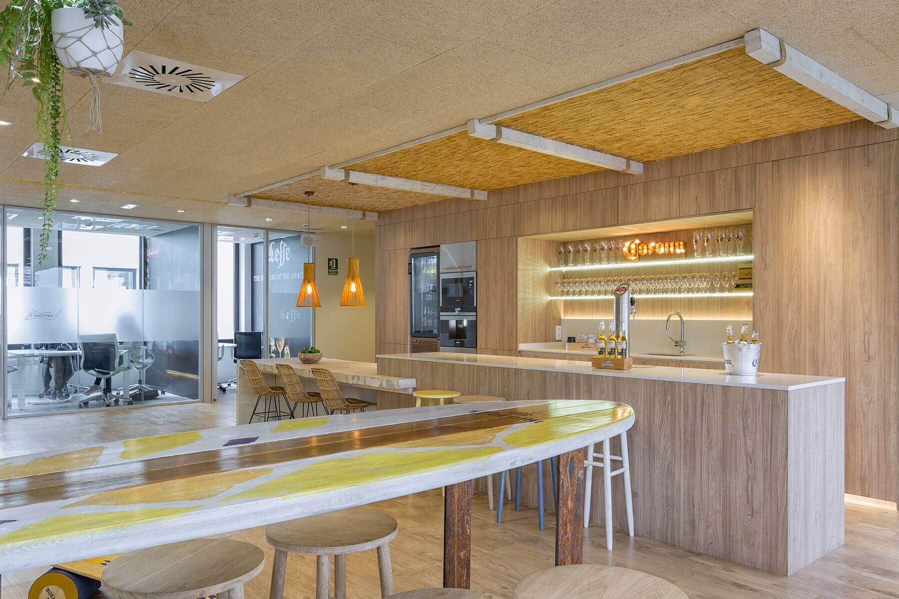 Cocina con isla para empresa - cocinas madrid