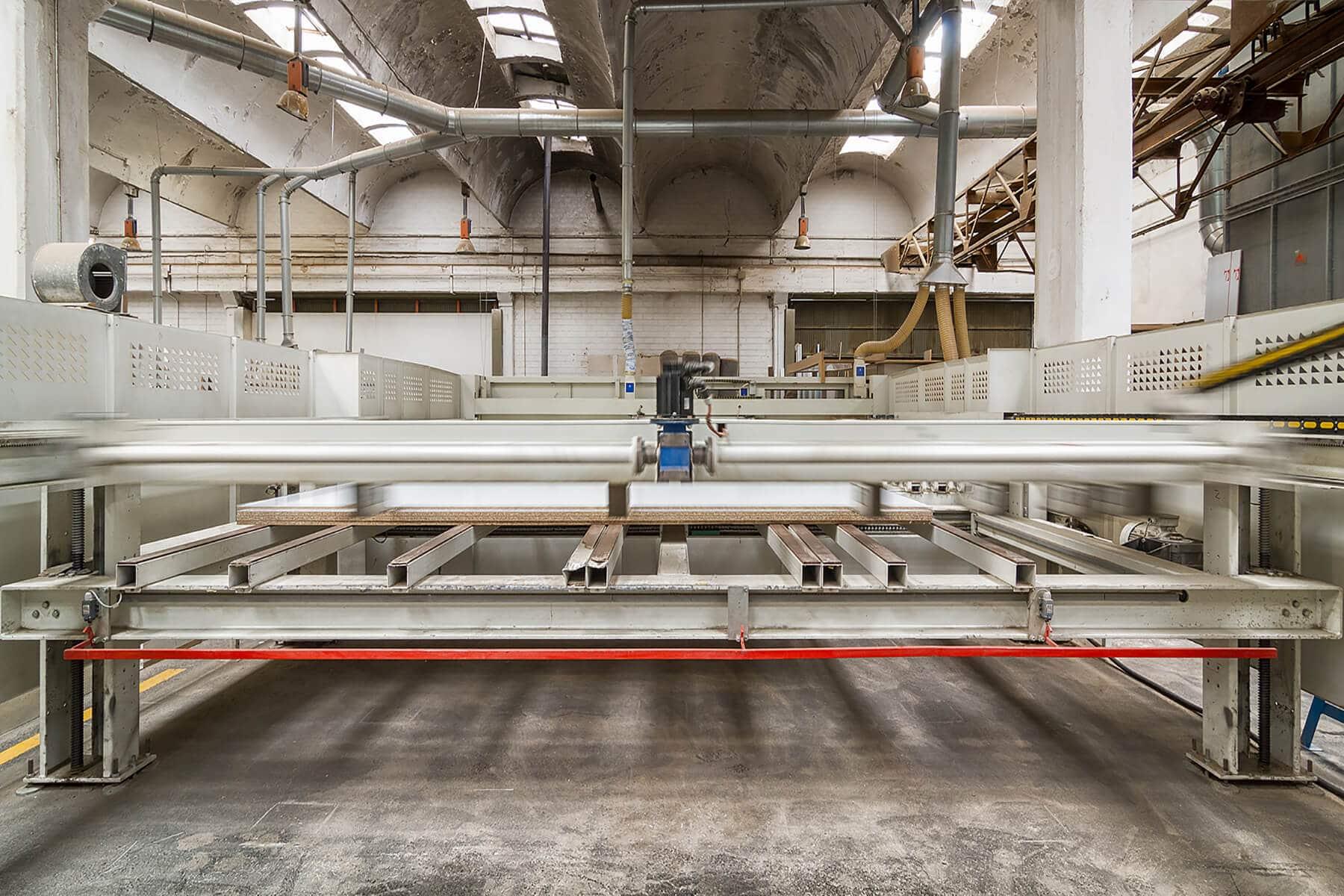 Máquinas de la fábrica Grupo Coeco - Fábrica de muebles de cocina