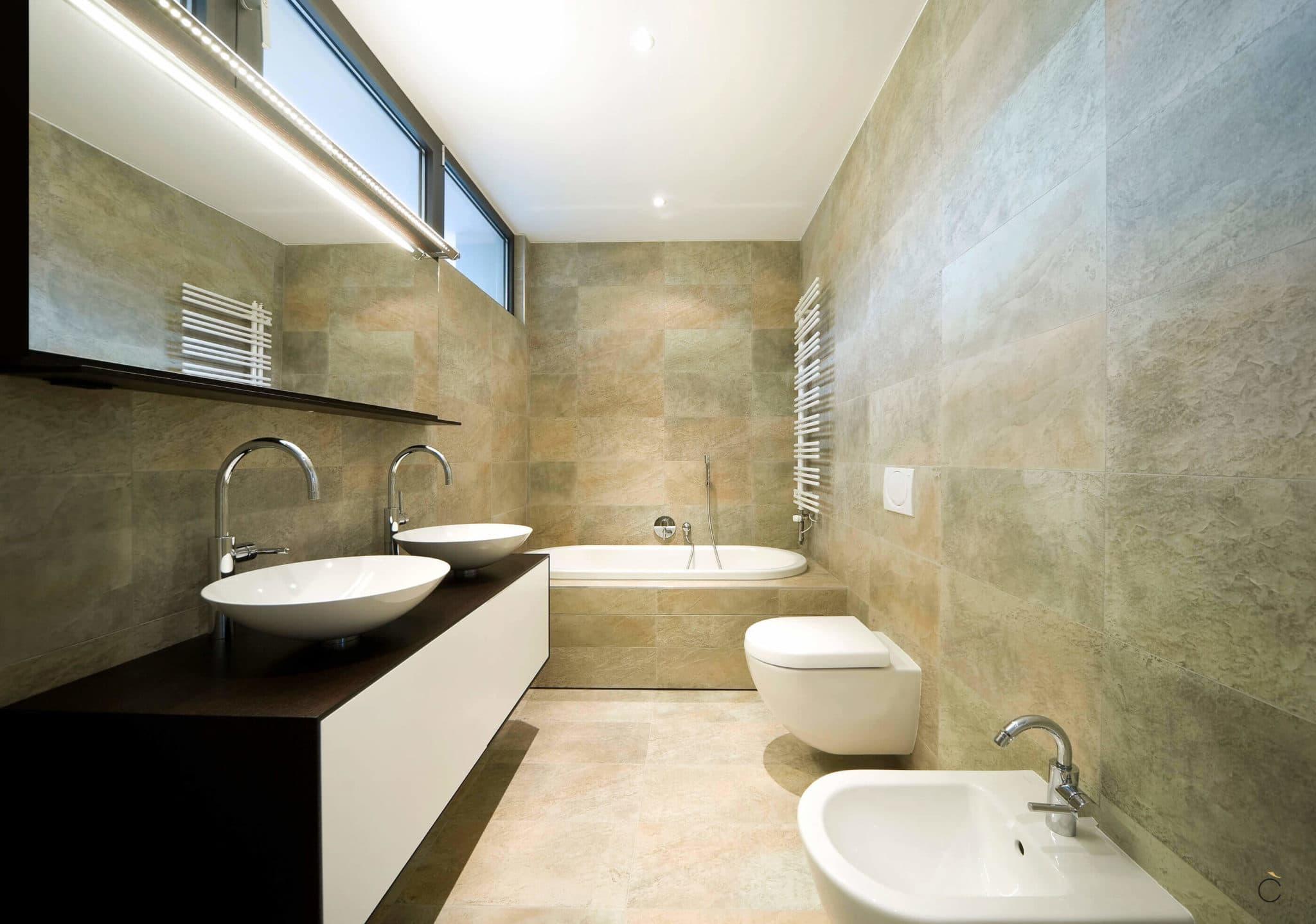 Baño de diseño con bañera