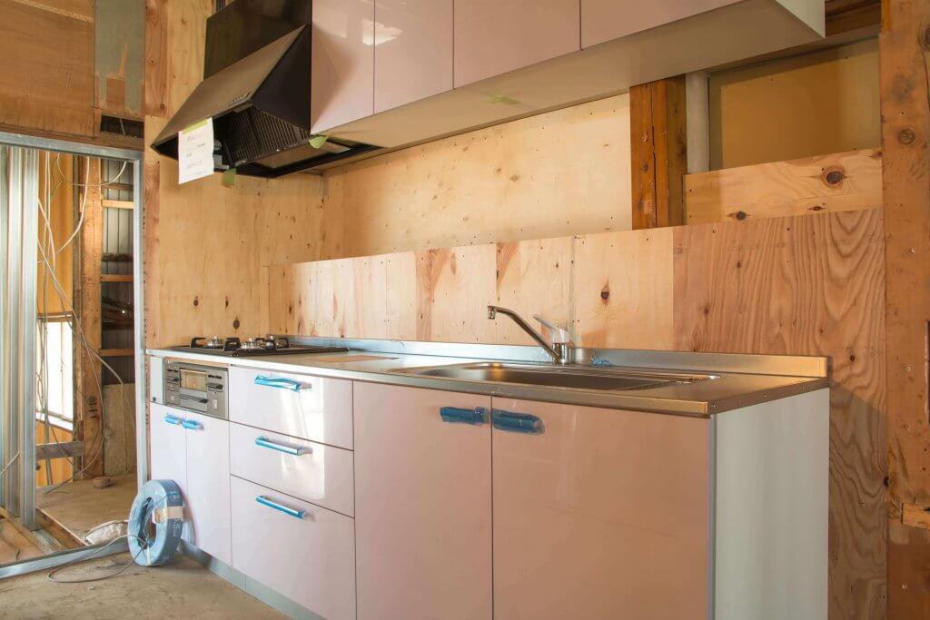 Montando la cocina - Ideas para renovar tu cocina sin obras